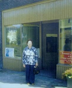 Frances Johnson revisiting 405 Galer Street in 1975